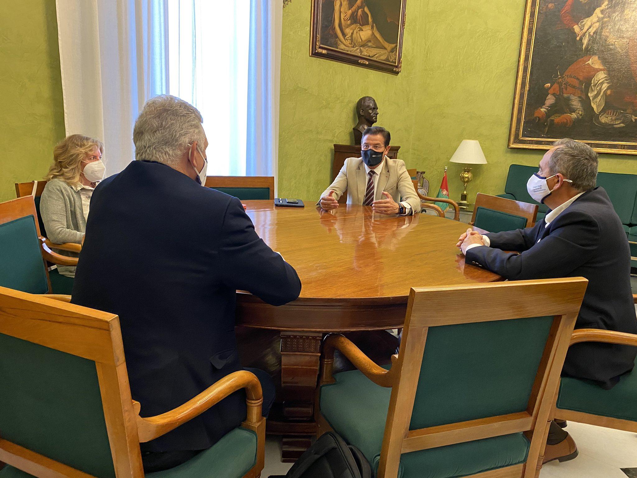 Reunion de Decano con el Alcalde de Granada